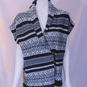 Sweater by Chaps Black/white  southwest pattern xl